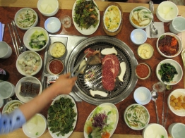 ...but turns into a feast in Suwon.